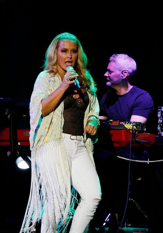 Anastacia zazpívala na festivalu v Madridu.