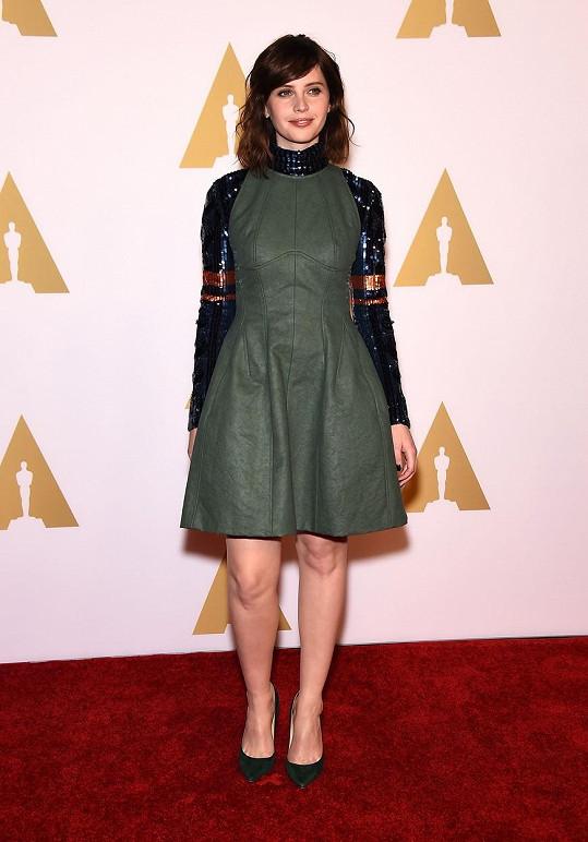 Felicity Jones má na zisk Oscara šanci s filmem Teorie všeho.