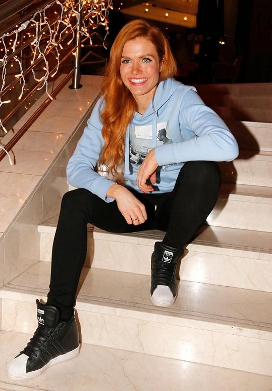 Gabriela Koukalová se před vyhlášením Sportovce roku nechala vyfotit v roztržených kalhotách.