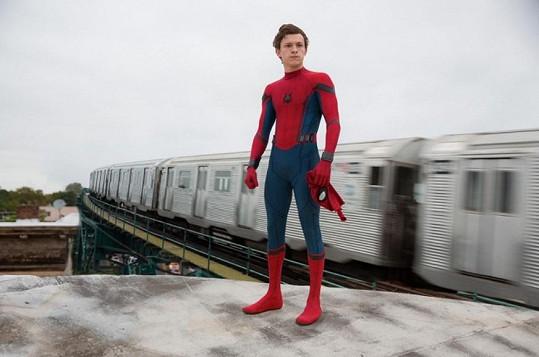 Představitel Spider-Mana se umí zabavit i mimo kamery.