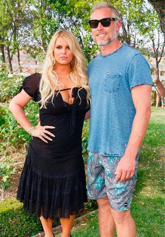 A po půl roce. Tímto snímkem zpěvačka manželovi popřála ke 40. narozeninám.