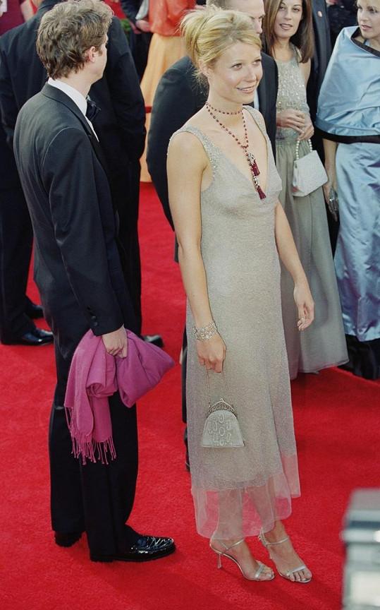 Herečka v roce 2000 sáhla šaty Calvin Klein úplně mimo.