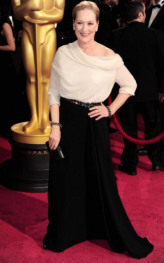 Šaty od Lanvina perfektně korespondovaly s osobním stylem a věkem Meryl Streep, která byla na Oscarech nominovaná již poosmnácté.