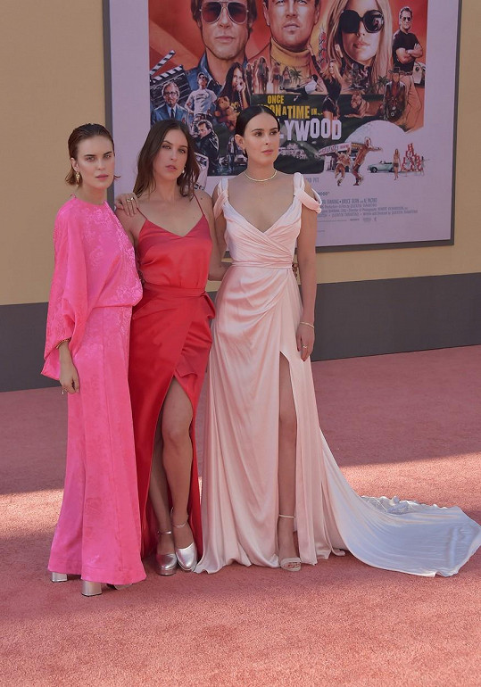 Tallulah (vlevo) je nejmladší z dcer Demi Moore. Na snímku se sestrami Scout a Rumer (vpravo).