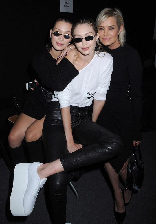 Jak Gigi (vlevo), tak Yolandina druhá dcera, třiadvacetiletá Bella, se úspěšně věnují modelingu.