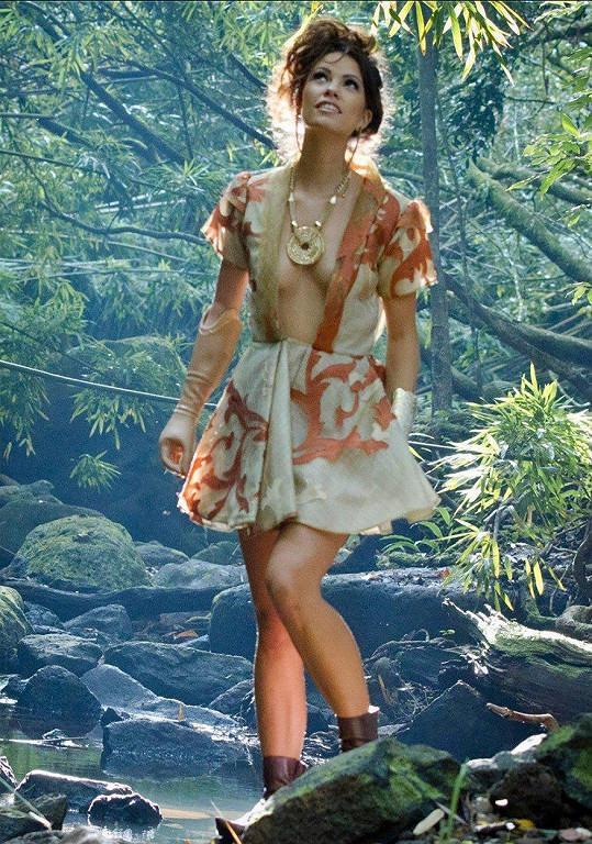 Narodila se bez pravé ruky pod loktem, přesto se Shaholly Ayers objevuje ve známých časopisech.