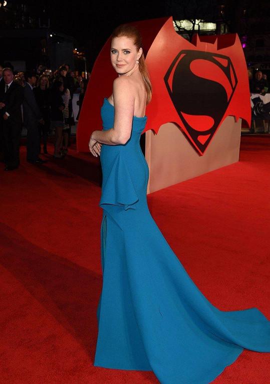 Amy Adams si zahrála například ve filmu Batman vs. Superman: Úsvit spravedlnosti.