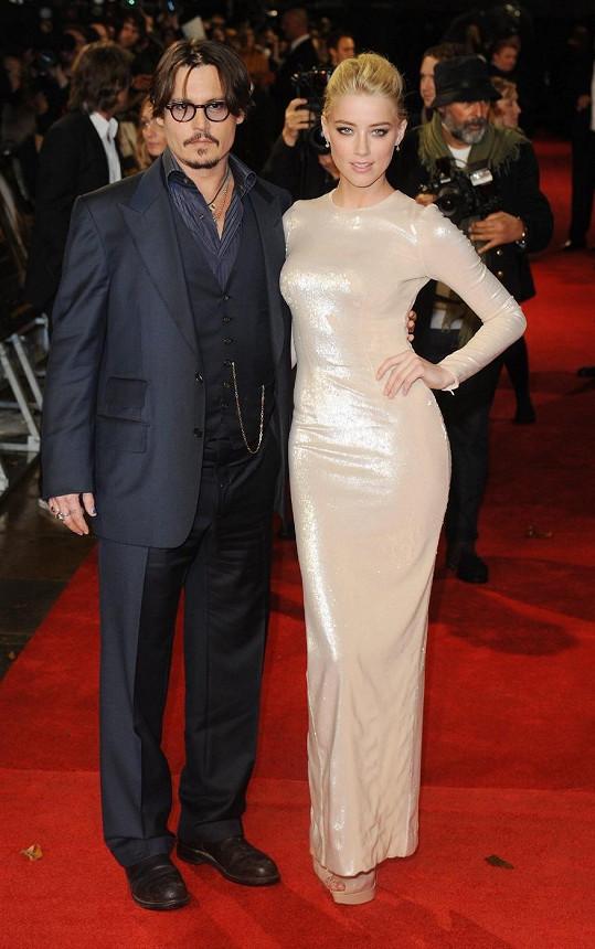 Depp se poznal s Heard během natáčení filmu Rumový deník.