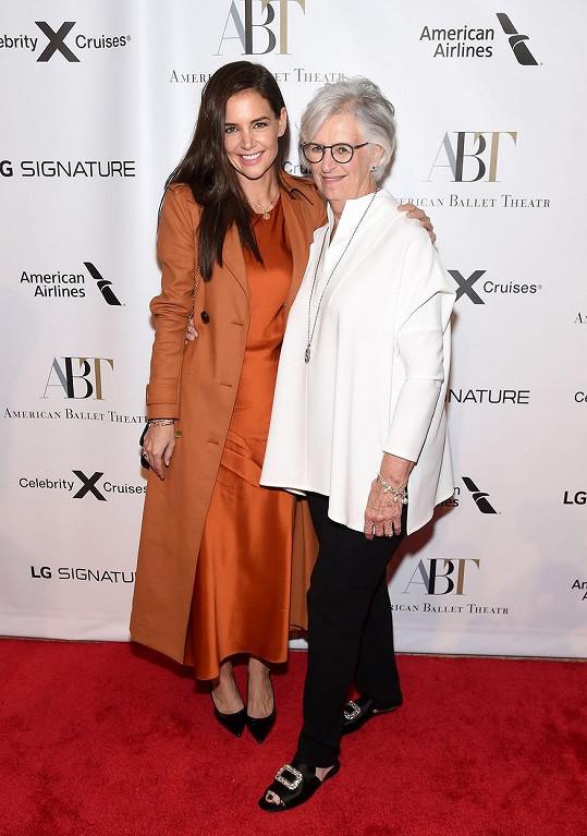 Matka a dcera spolu vyrazily na balet do newyorského divadla.