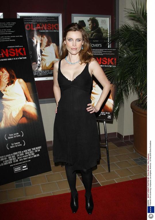 Slovenská herečka Silvia Šuvadová, kterou čeští diváci znají ze snímku Kolja a která herecky dlouhodobě působí ve Spojených státech. Na snímku na projekci filmu Romana Polanského v Los Angeles.