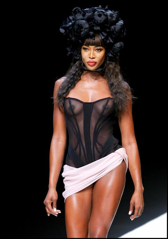Naomi je i dnes vyhledávanou modelkou.