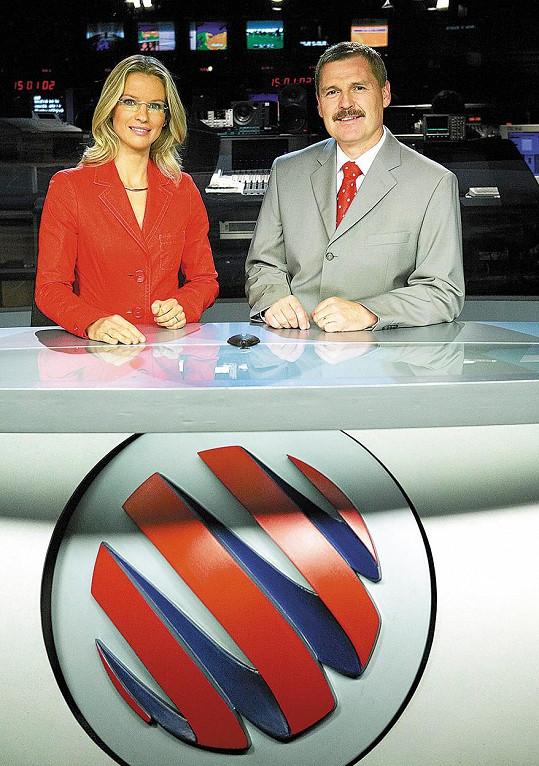 Pavla Charvátová v dobách, kdy s Pavlem Dumbrovským moderovala Televizní noviny (2006).