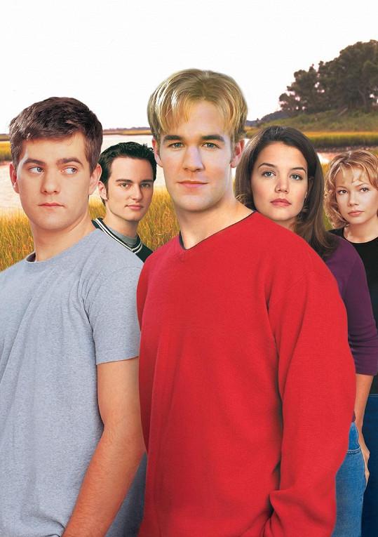 Joshua Jackson, Kerr Smith, James van Der Beek, Katie Holmes, Michelle Williams (zleva) v seriálu Dawsonův svět