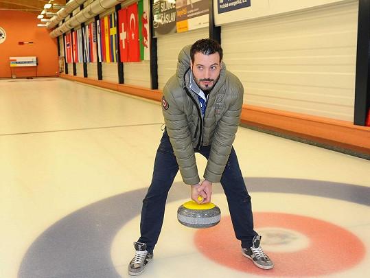 Ani Noida curling nebavil.