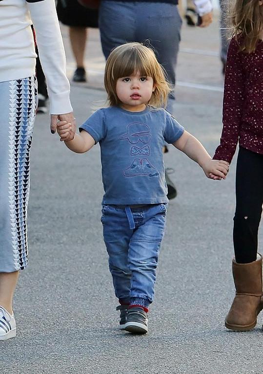 Herecký pár Isla Fisher a Sasha Baron Cohen mají Montgomeryho Mosese Briana Barona Cohena...