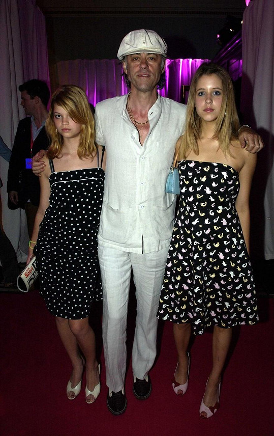 Bob Geldof s dcerami Peaches a Pixie v roce 2003