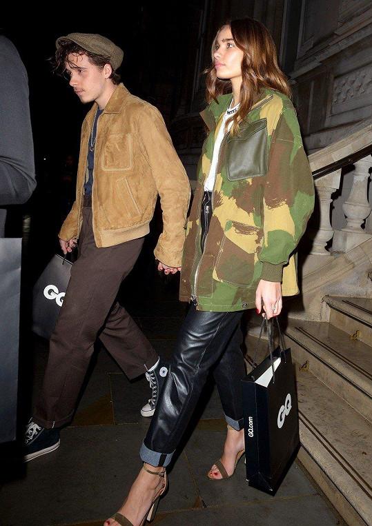 Hana už pár měsíců chodí s Brooklynem Beckhamem.