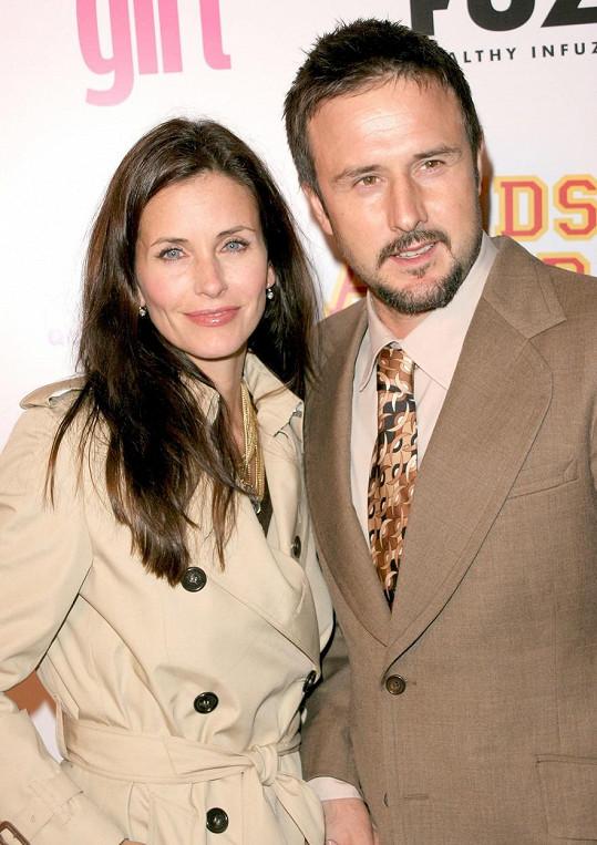 Jedinou dceru má s exmanželem Davidem Arquettem.