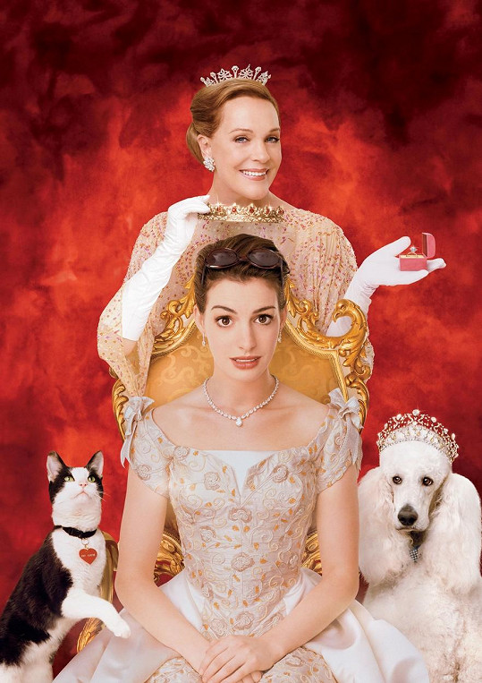 Julie Andrews s Anne Hathaway na plakátu k filmu Deník princezny: Královské povinnosti