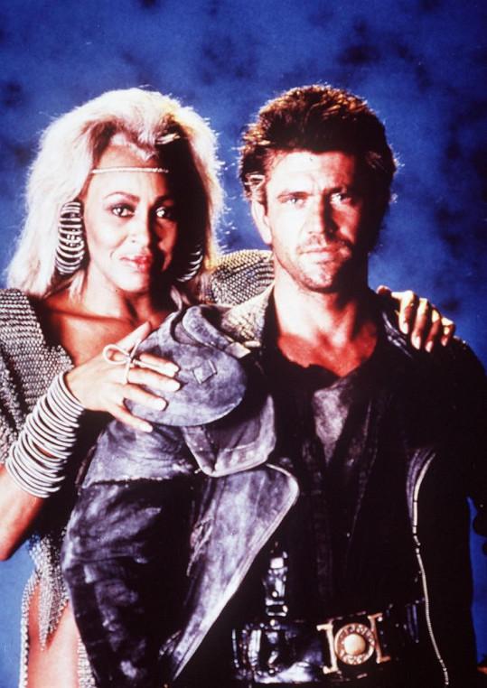 Mel Gibson s Tinou Turner ve filmu Šílený Max a Dóm hromu (1985)