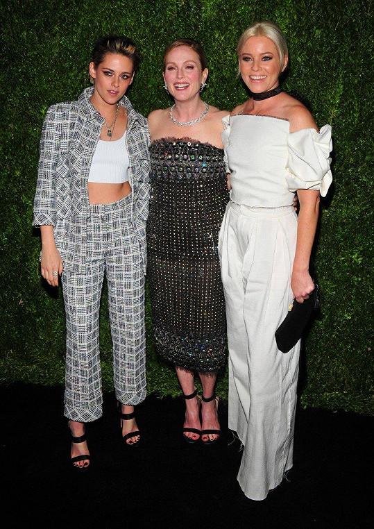 V New Yorku Julianne Moore potkala své kolegyně Kristen Stewart a Elizabeth Banks.