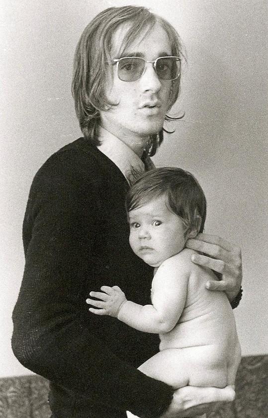 S dcerou Denisou (1971), které věnoval jeden z hitů Deny.