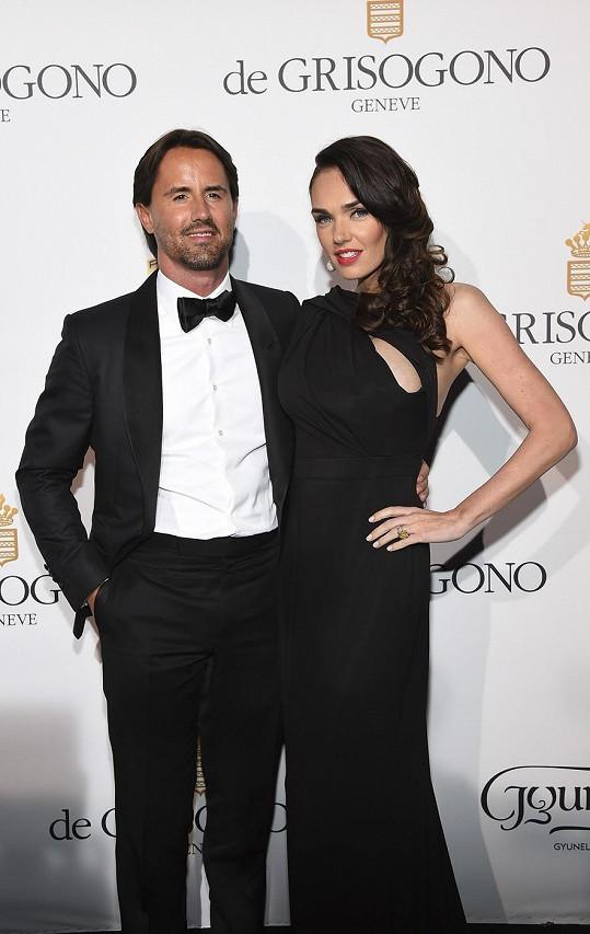 Novopečení rodiče na akci Fatale In Cannes