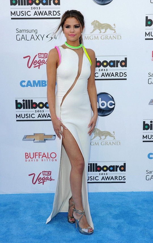Selena okouzlila na Billboard Music Awards 2013.