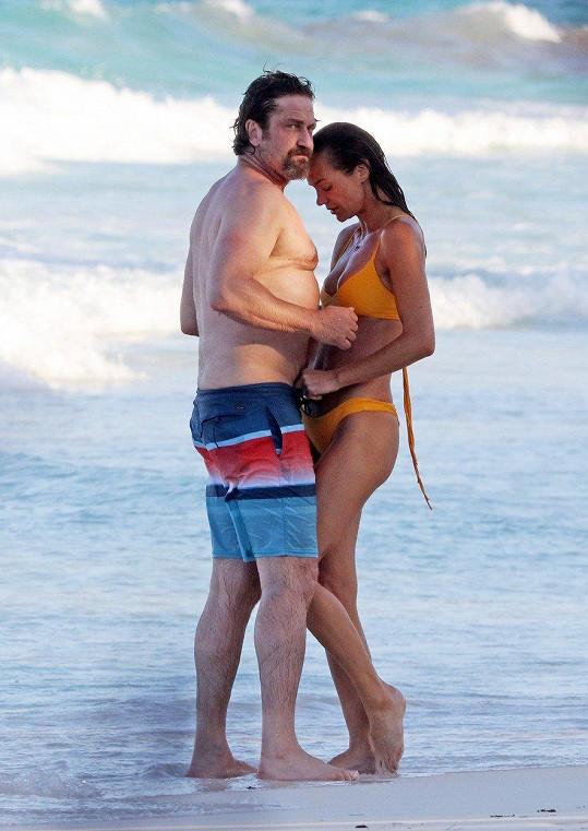 V červenci se snažili slepit rozpadající vztah na dovolené v Mexiku.