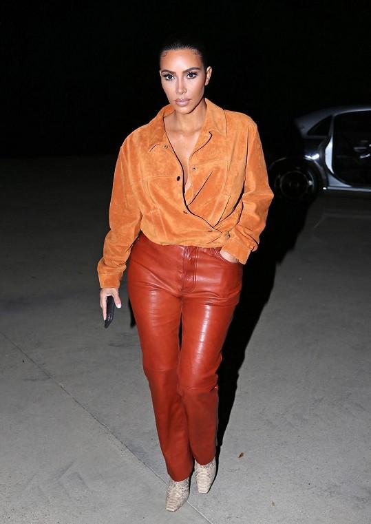 Slova útěchy vzkázala i Kim Kardashian.