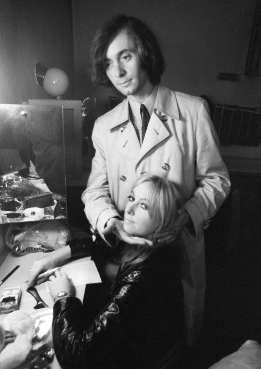 Na přelomu 70. let pojil Františka Janečka vztah s polskou zpěvačkou Marylou Rodowicz. Tehdy ještě nenosil svůj typický knírek.