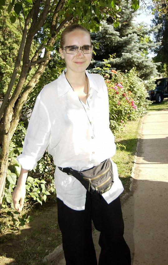 Takhle se Lucie Vondráčková oblékala před osmi lety.