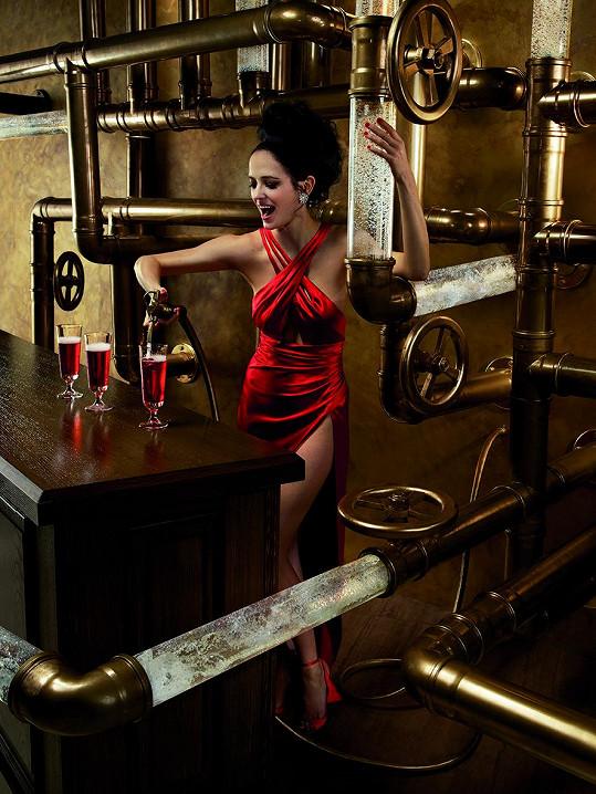 Eva Green vytasila ženské zbraně.
