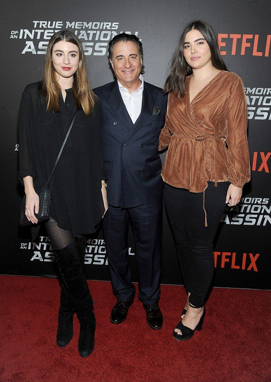 Andy García s dcerami Alessandrou (vpravo) a Dominik