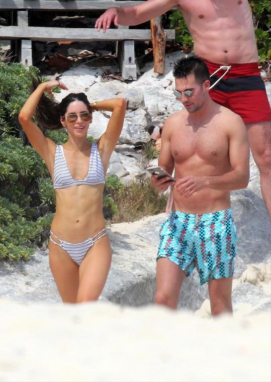 Jen Selter se zpěvákem Jamesem Maslowem na dovolené v Mexiku (duben)