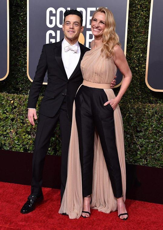 Na ceremoniálu se vyfotila s Ramim Malekem, který získal Zlatý glóbus za film Bohemian Rhapsody.