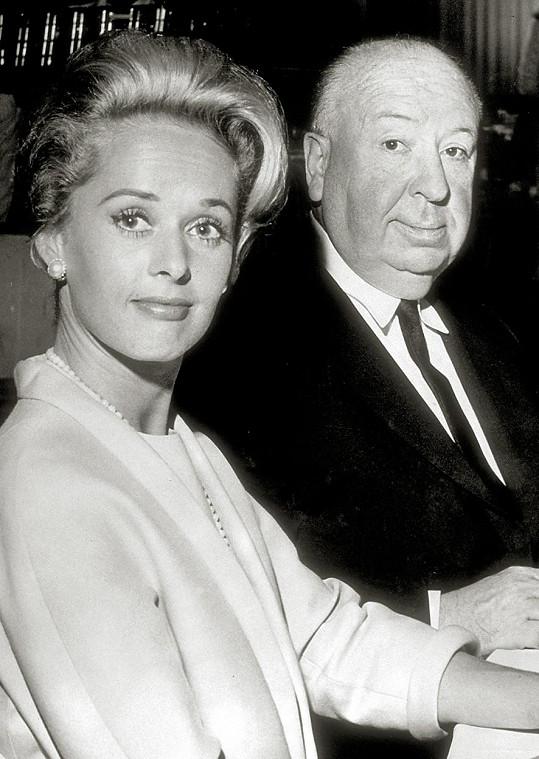 Tippi tvrdí, že jí byl Hitchcock posedlý, a jeho projevy náklonnosti popsala jako perverzní.