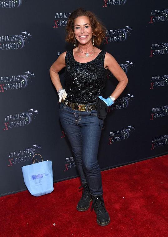 Claudia Wells se objevila na premiéře snímku Paparazzi X-Posed.