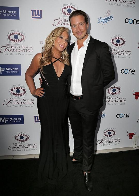 Busch v minulosti randil s hvězdou reality show Adrienne Maloof.