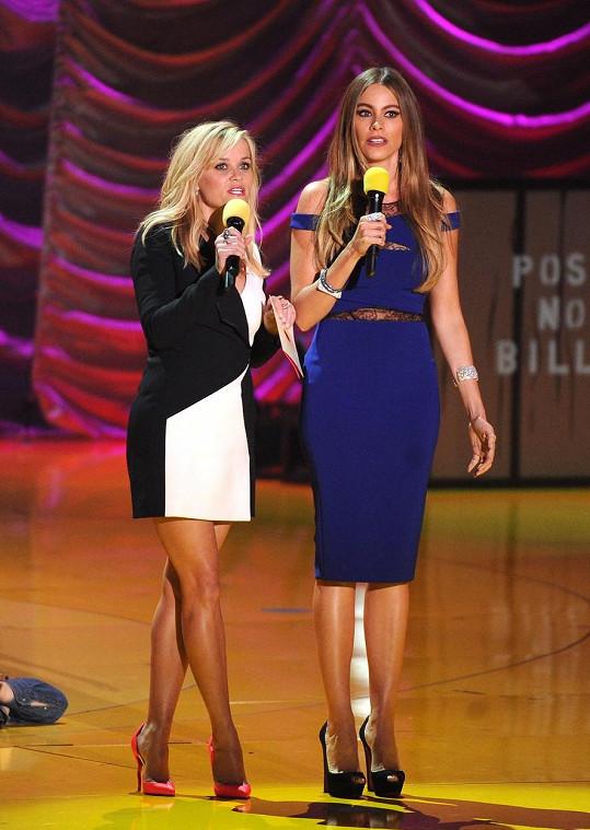 Reese a Sofie tvoří vtipnou dvojici.