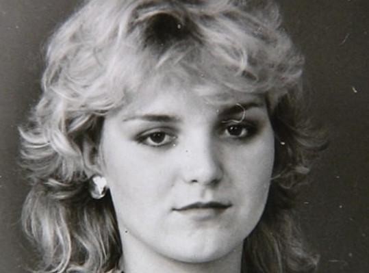 Blanka Šrůmová nahradila Ivetu Bartošovou v kapele Balet roku 1986. Ivetě byla typově velmi podobná.