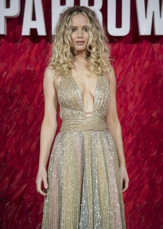 Jennifer Lawrence hubnout nechtěla, ale ani ona se tomu nevyhla.