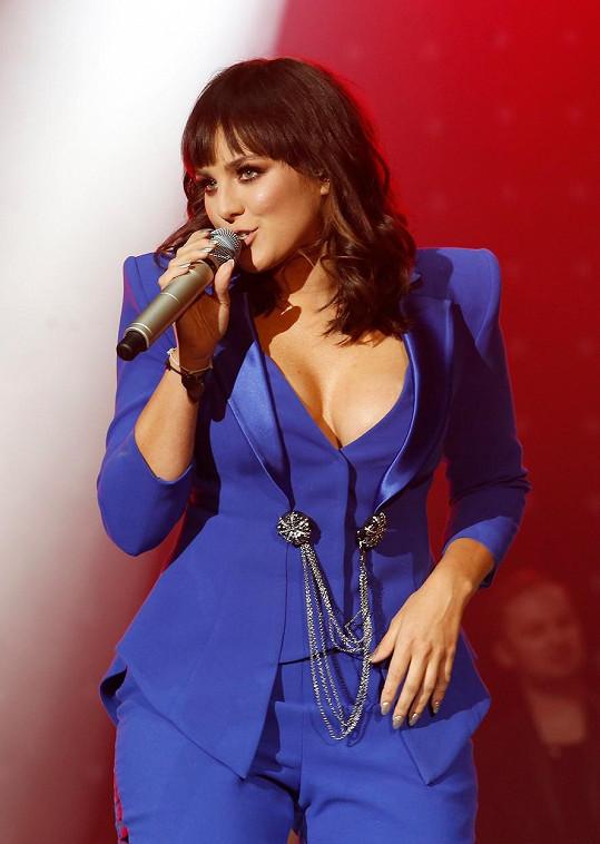 Na koncertě k deseti letům v branži byla za sexy ženu...