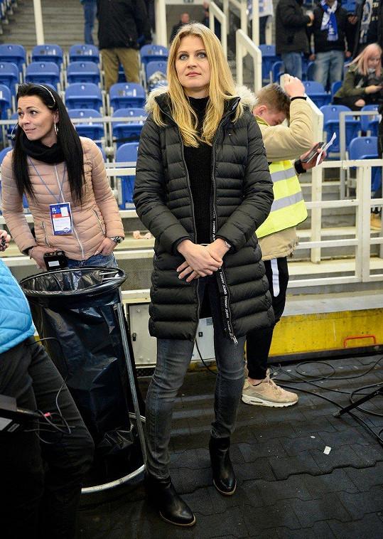 Šafářová fandí Plekancovi na hokejových zápasech.