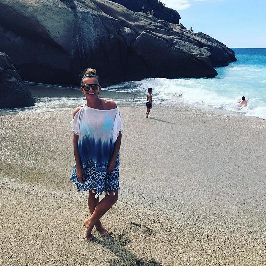 Pravidelně jezdí na Kanárské ostrovy, kde si pořídila letní byt.