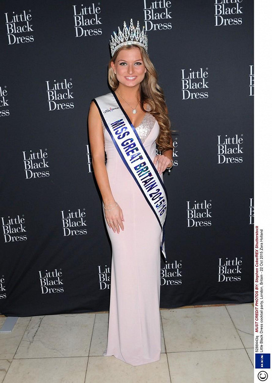 Zara Holland už nesmí užívat titul Miss Velká Británie.