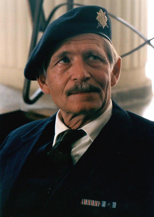 Jiří Kodet v komedii Pelíšky (1999)