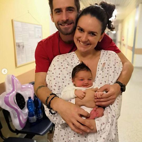 Tanečník Tomáš Smička má syna. Dojatý tatínek má na fotce z porodnice slzy na krajíčku.