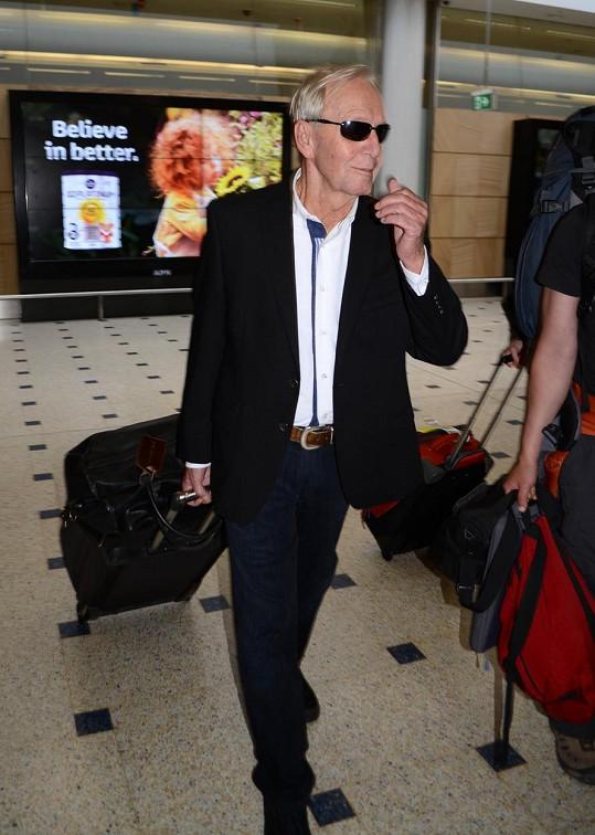 Paul Hogan na letišti v Sydney