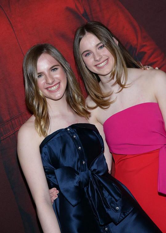 Herectví se věnují stále. Noelle (vlevo) a Cali na rok starém snímku z premíéry hororového seriálu My.